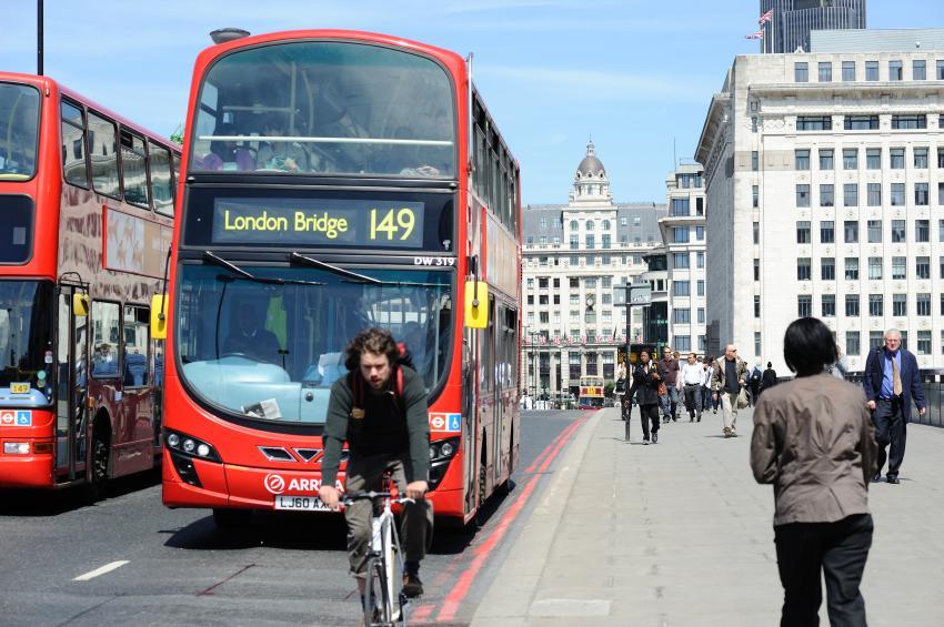 LondonCyclingiStock_000016552077Small