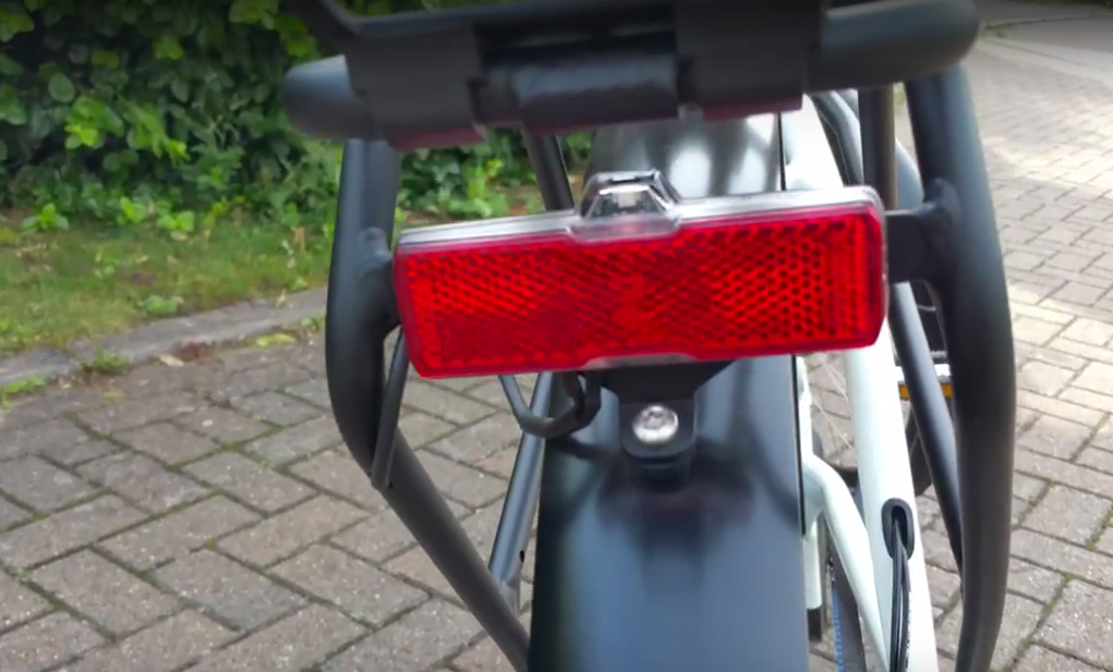 blueLABEL Charger Review - rear LED lights driven from Bosch battery