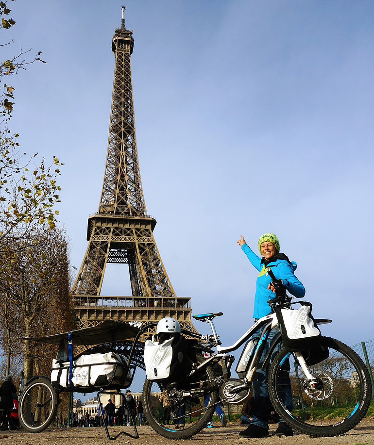 Susanne in Paris with Haibike