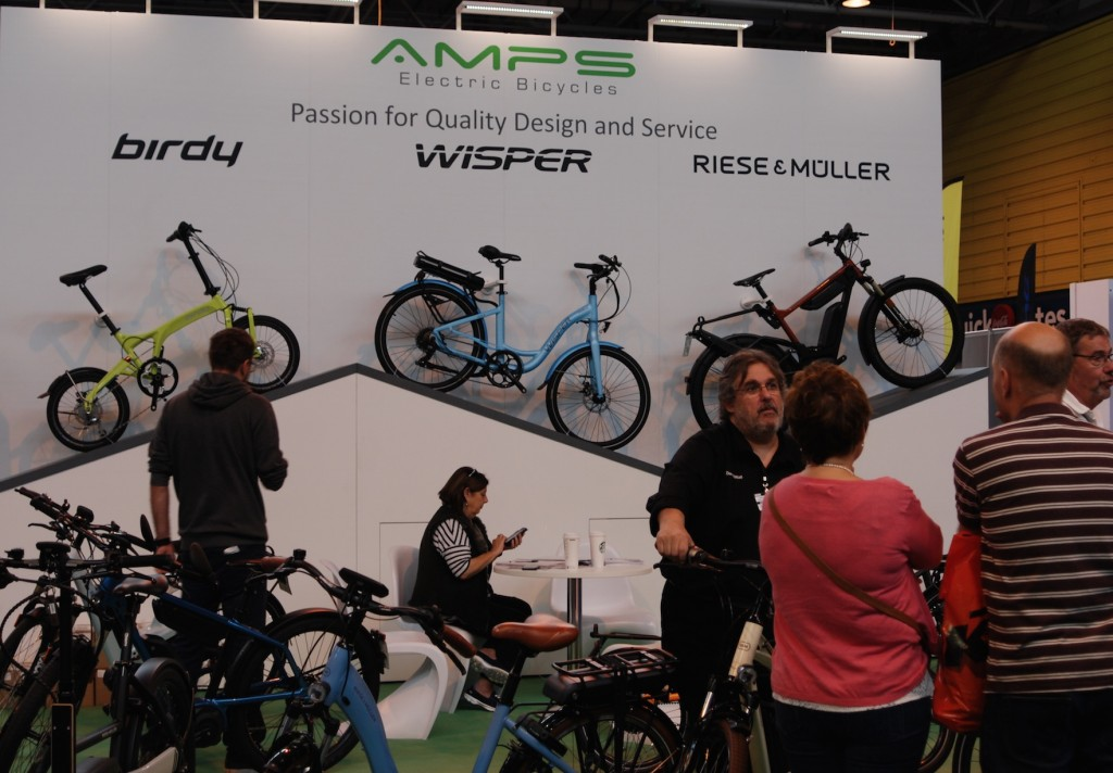 amps-stand